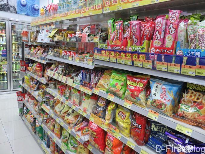 日本の菓子もあります