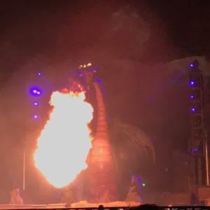 ドラゴンも迫力満点!!