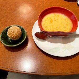 揚げ胡麻団子とマンゴープリン