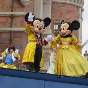 ミッキーとミニーもフィナーレのみ登場