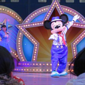 ミッキーはさすがのダンスです